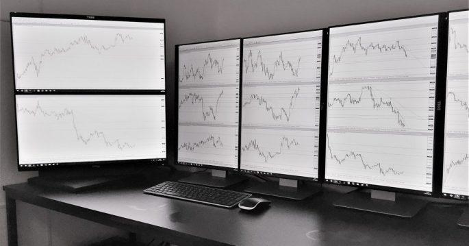 fx-trade-environment-and-monitor-1200x630.jpg