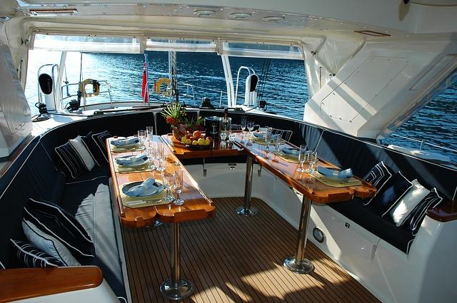 yacht-1258972_640.jpg